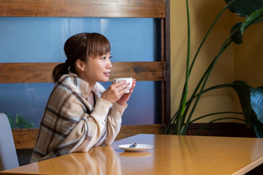 コーヒーブレイクと女性