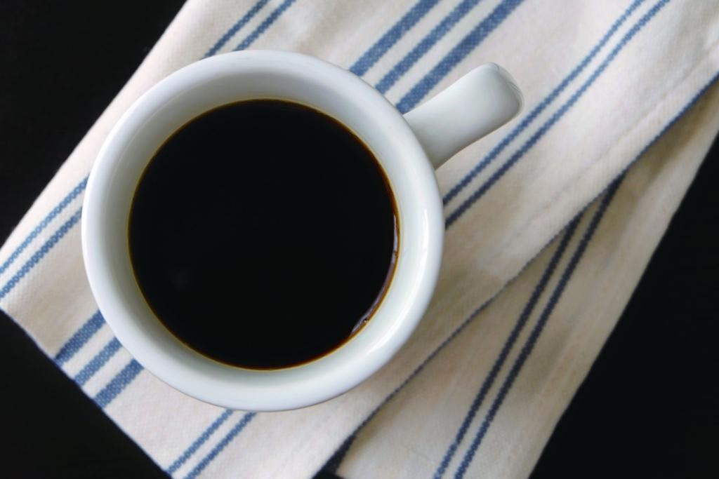 テーブルクロスとコーヒー
