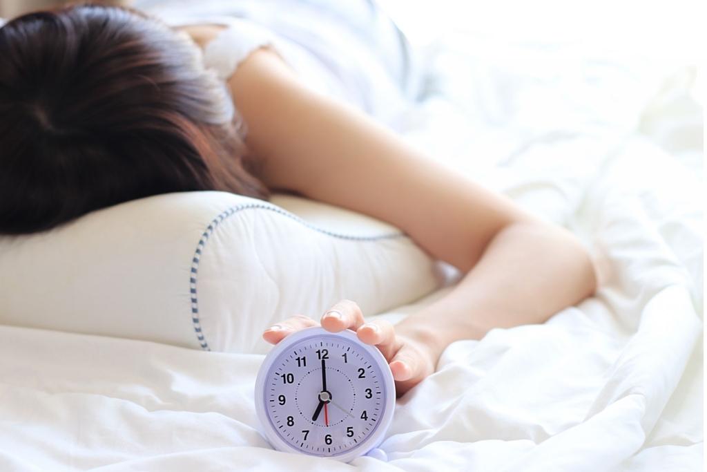 寝不足な女性